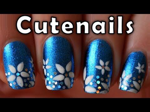 Лак в синьо с цветя