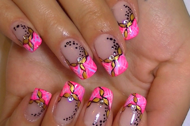 Красив маникюр в розово