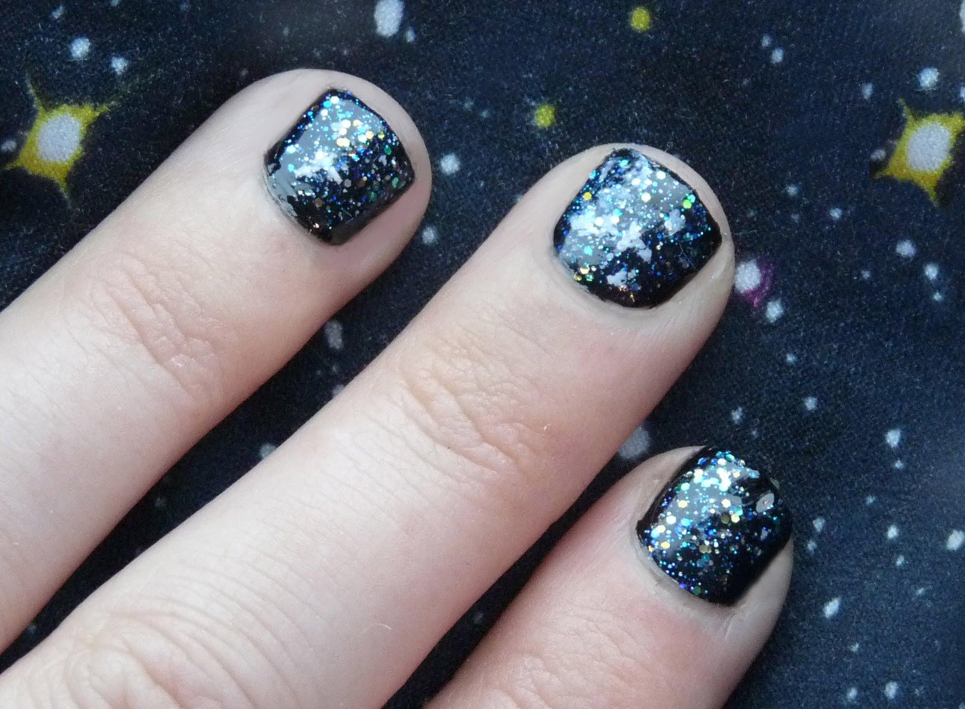 Лак галактика за къси нокти