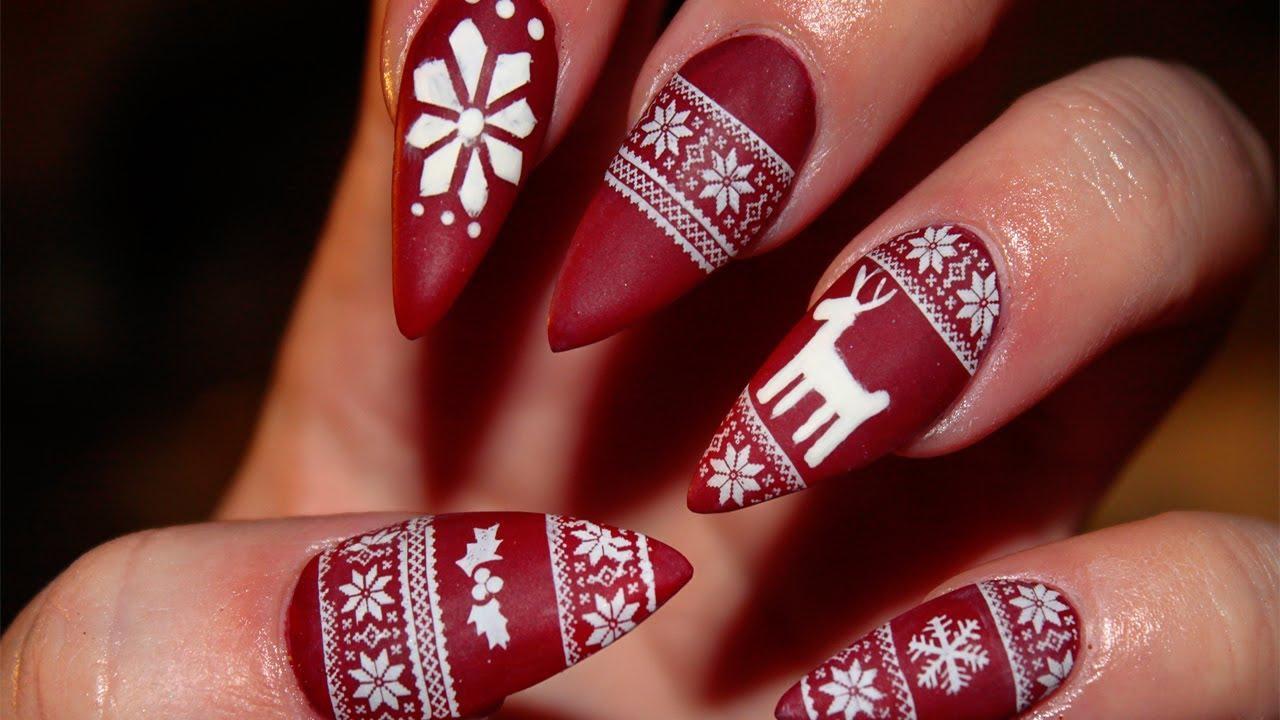 Лак като Коледен пуловер