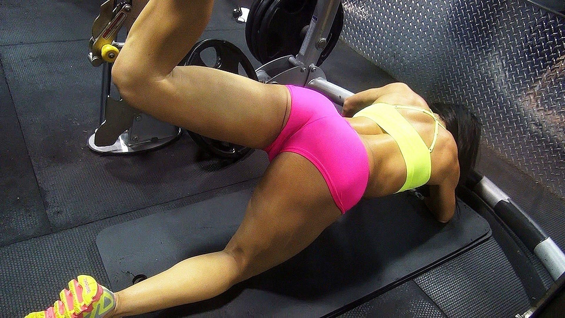 Упражнеия във фитнеса за жени