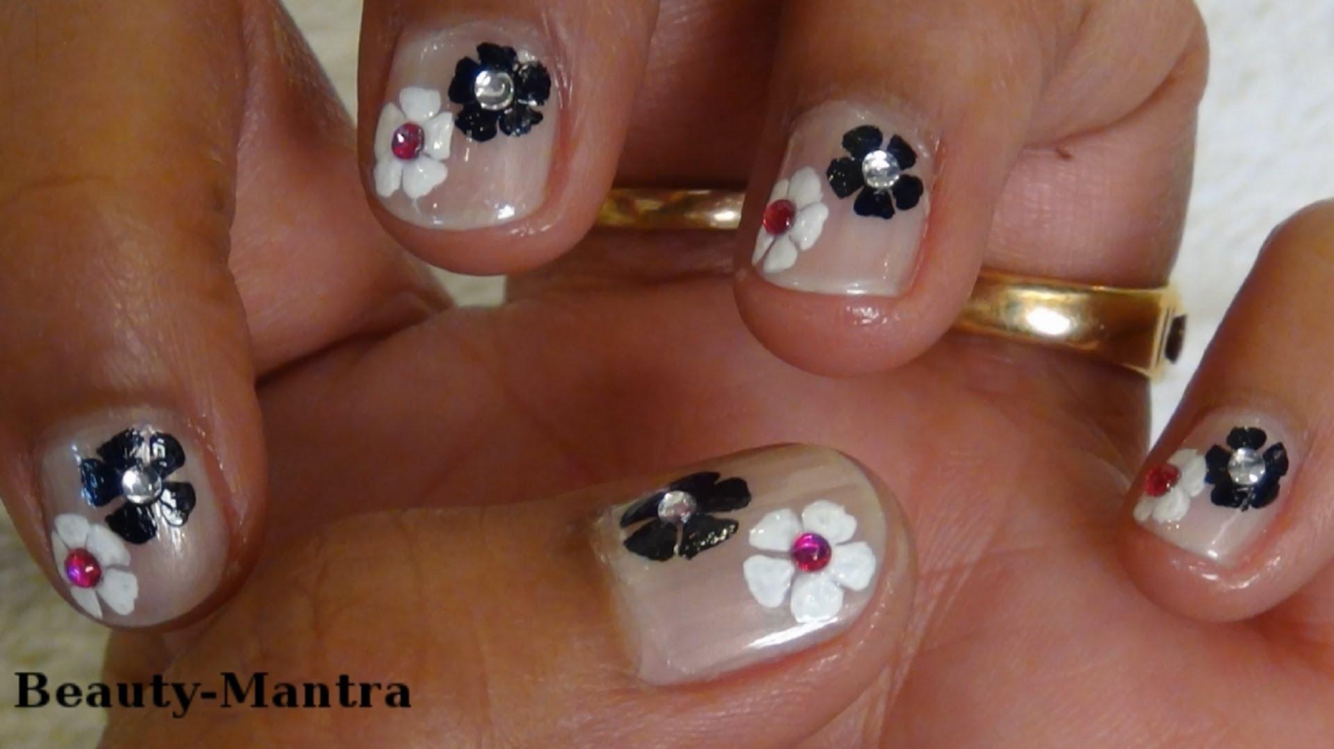 Лесен лак за къси нокти с цветя