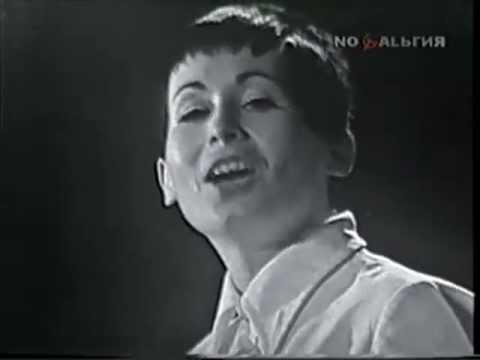 Лили Иванова с песента Амазонка