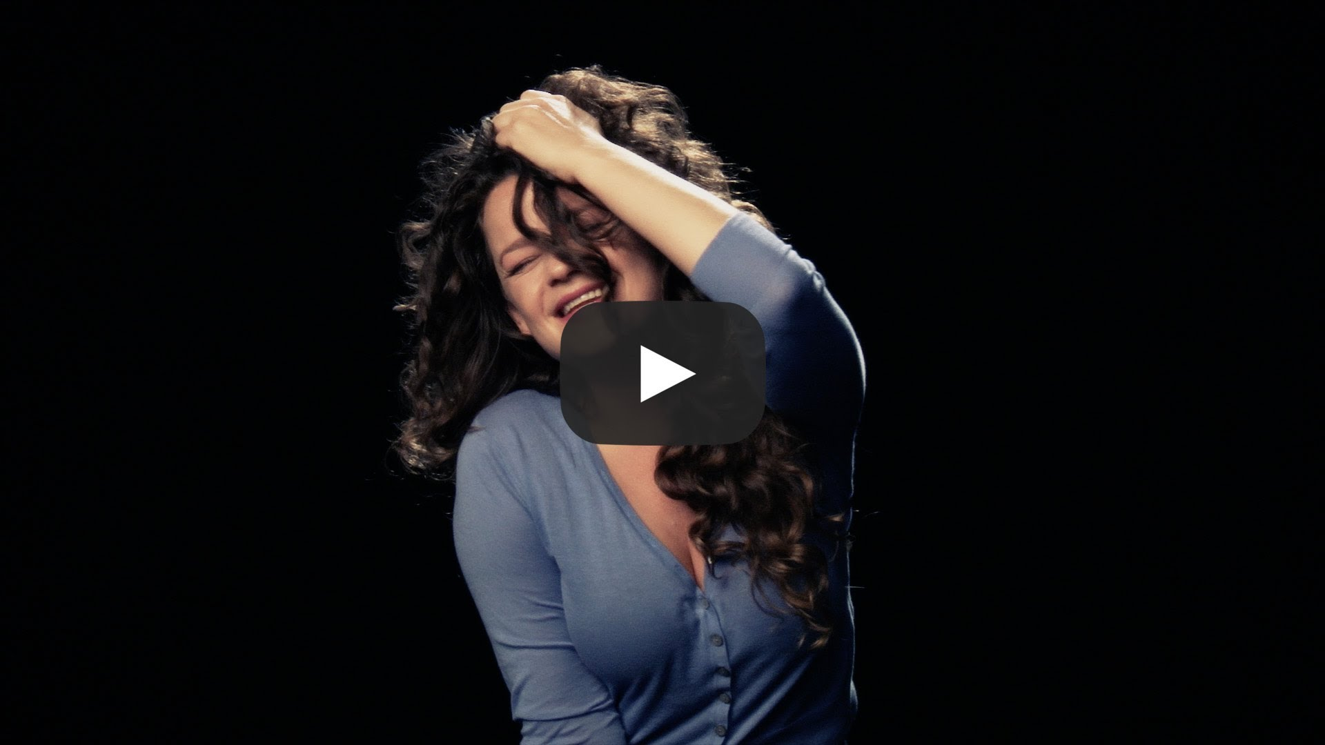 Жени получават оргазъм, докато пеят