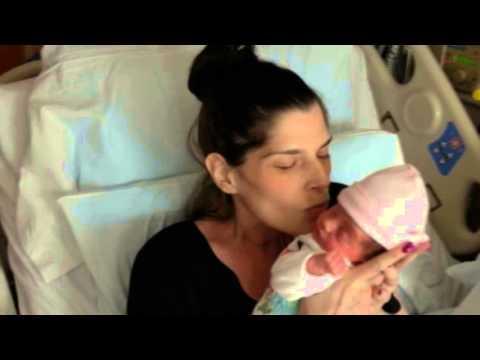 Майка болна от рак ражда бебе