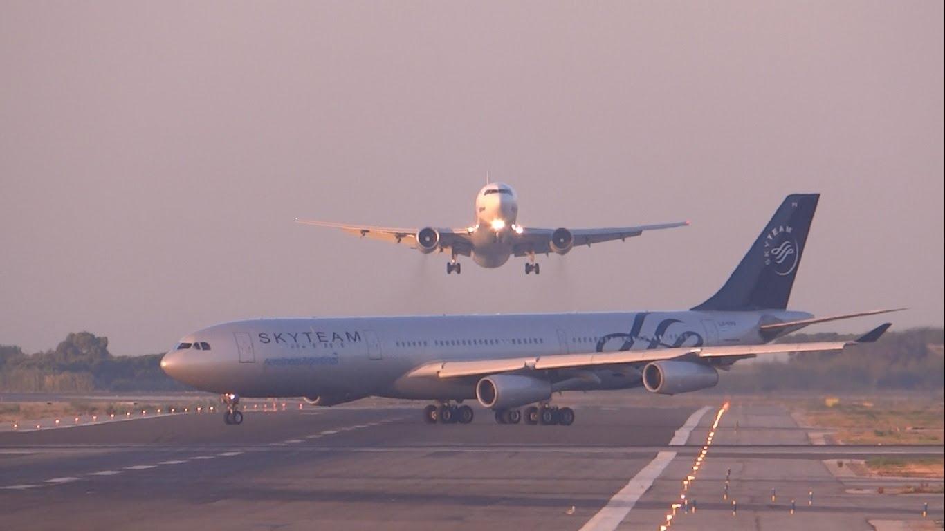 Самолет избягва катастрофа