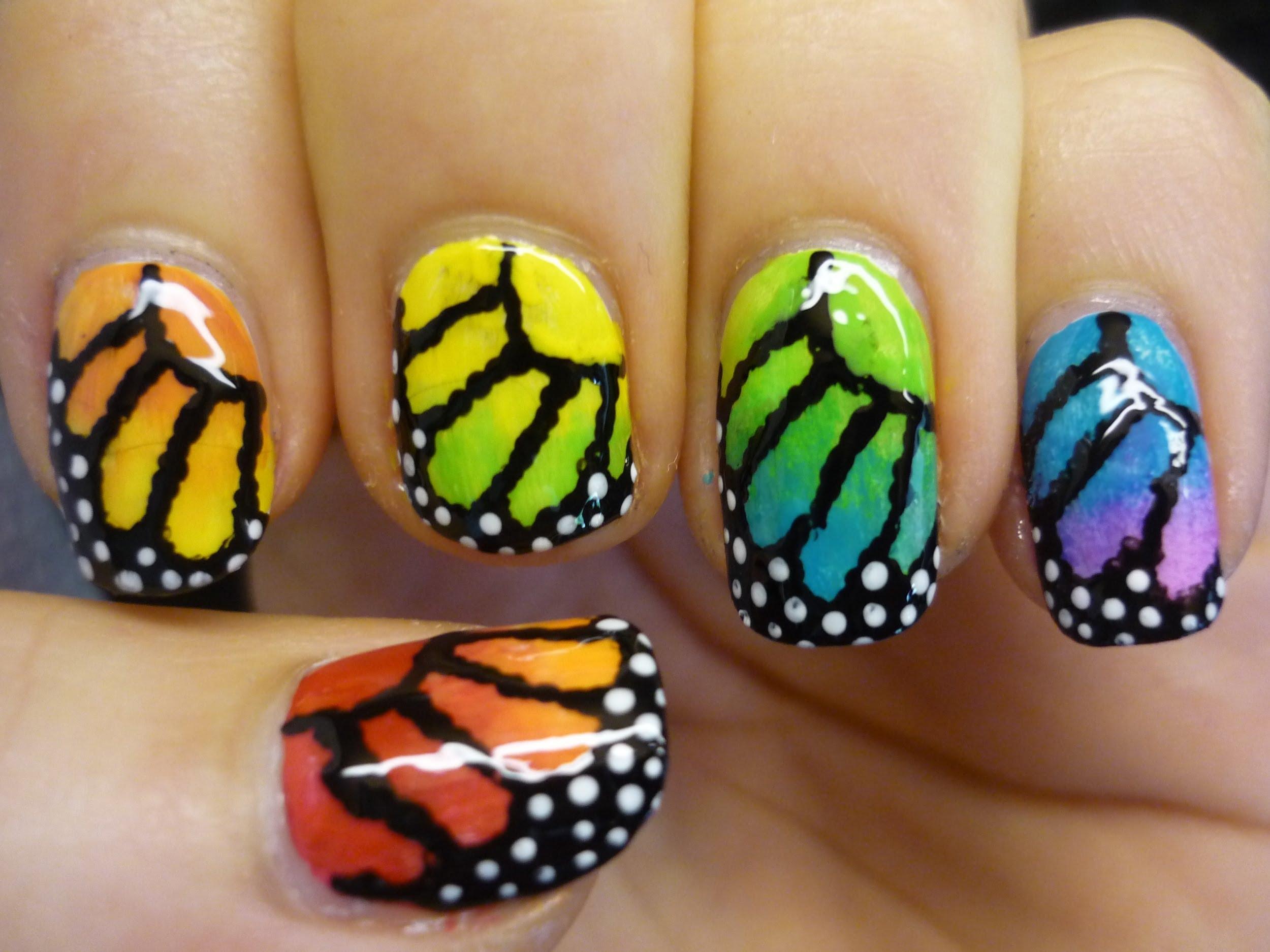 Маникюр с крила на пеперуда