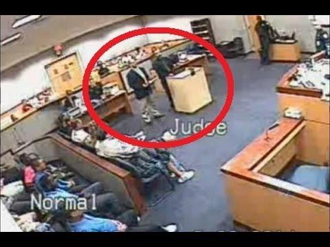 Бой между съдия и адвокат видео