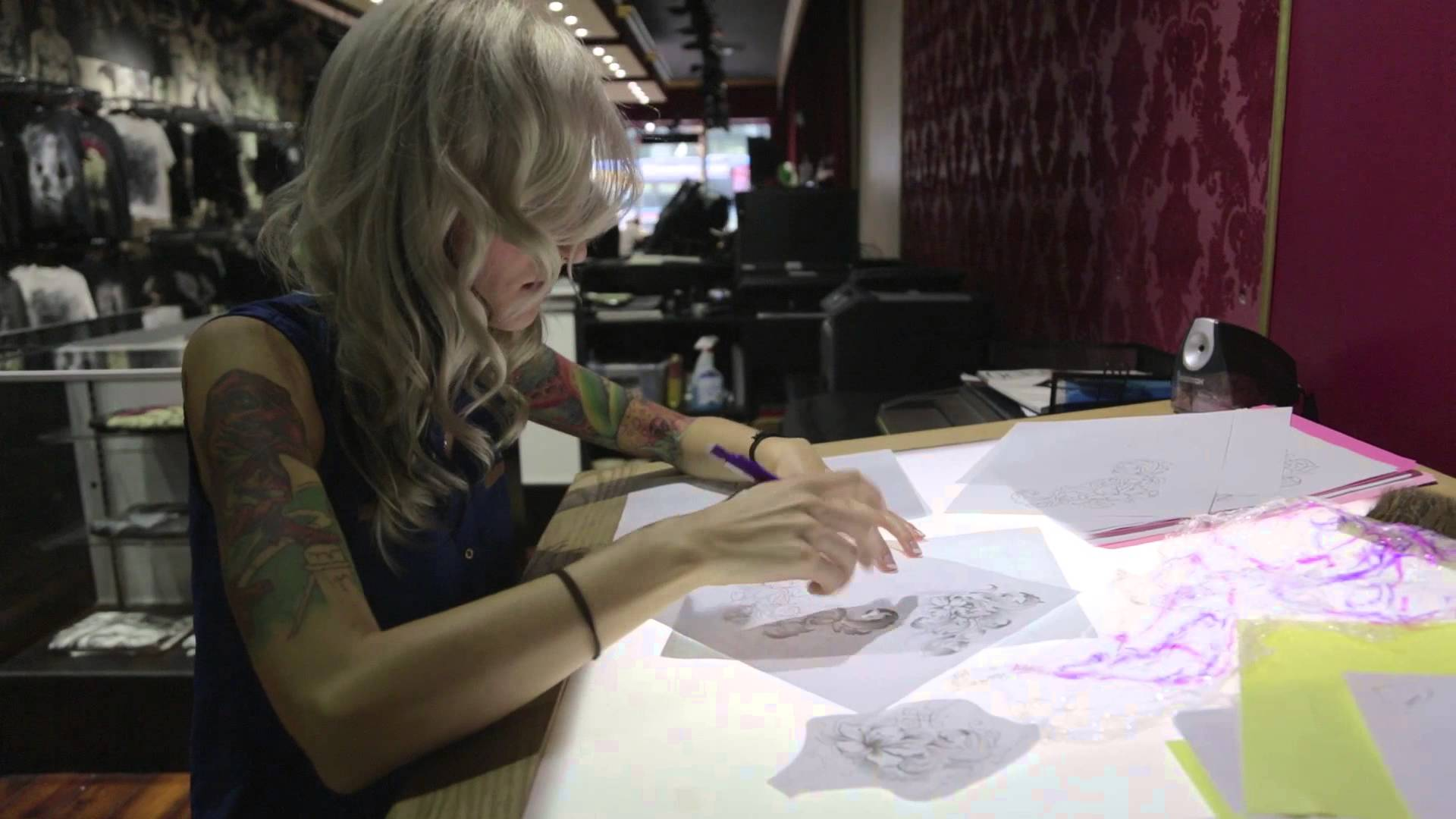 7 часа татуиране на гърди за заличаване на белези от рак