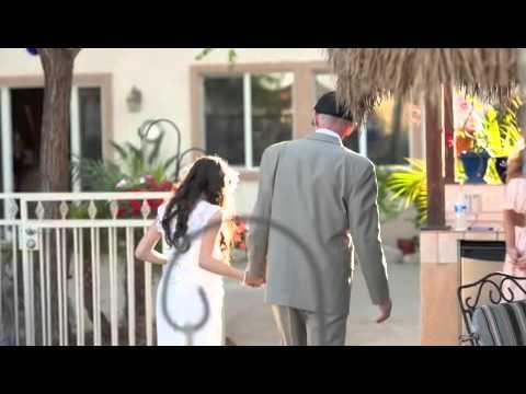 Сватбата, която разтърси света: фотографка устрои едно незабравимо преживяване на момиче и нейния болен баща