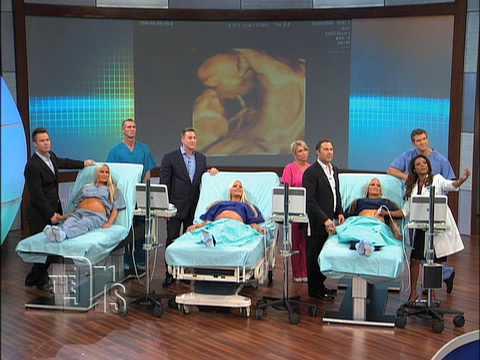 Тризначки бременни заедно