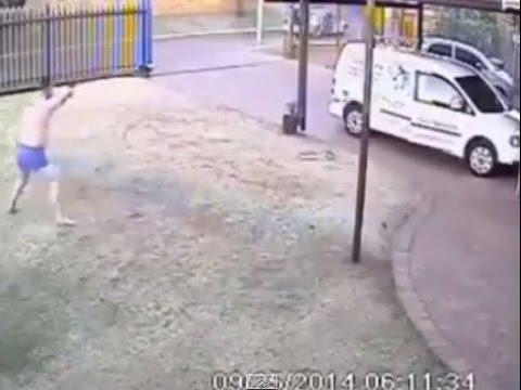 Мъж спасява двойка от грабеж