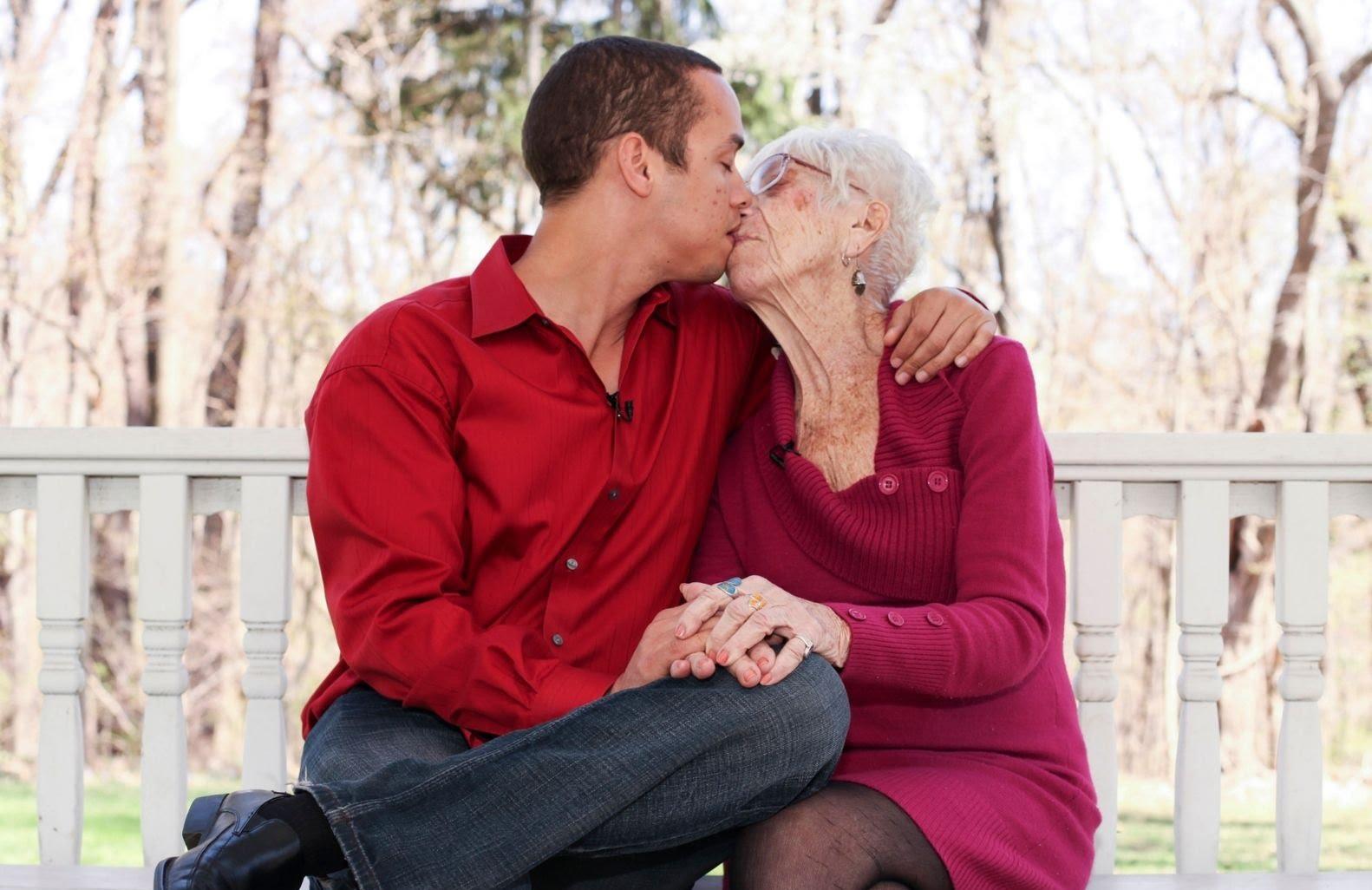 Жена на 80 години преспа с 1000 мъже