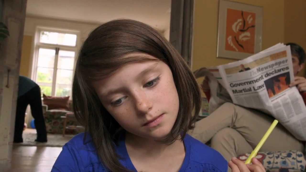 Светът на едно най-обикновено момиче се разпада
