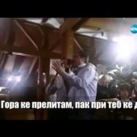 Цветан Василев и Иван Искров, които пеят