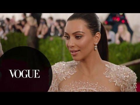 Бионсе и Ким Кардашиян голи на модно събитие