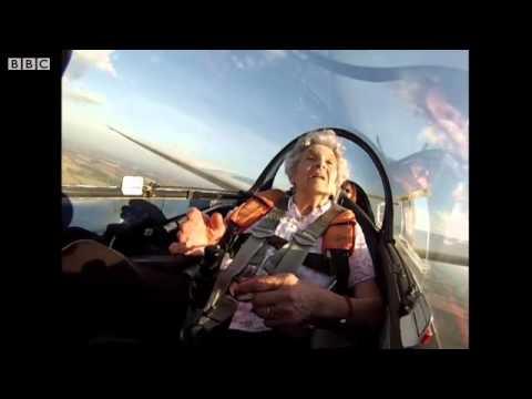 Баба стана пилот