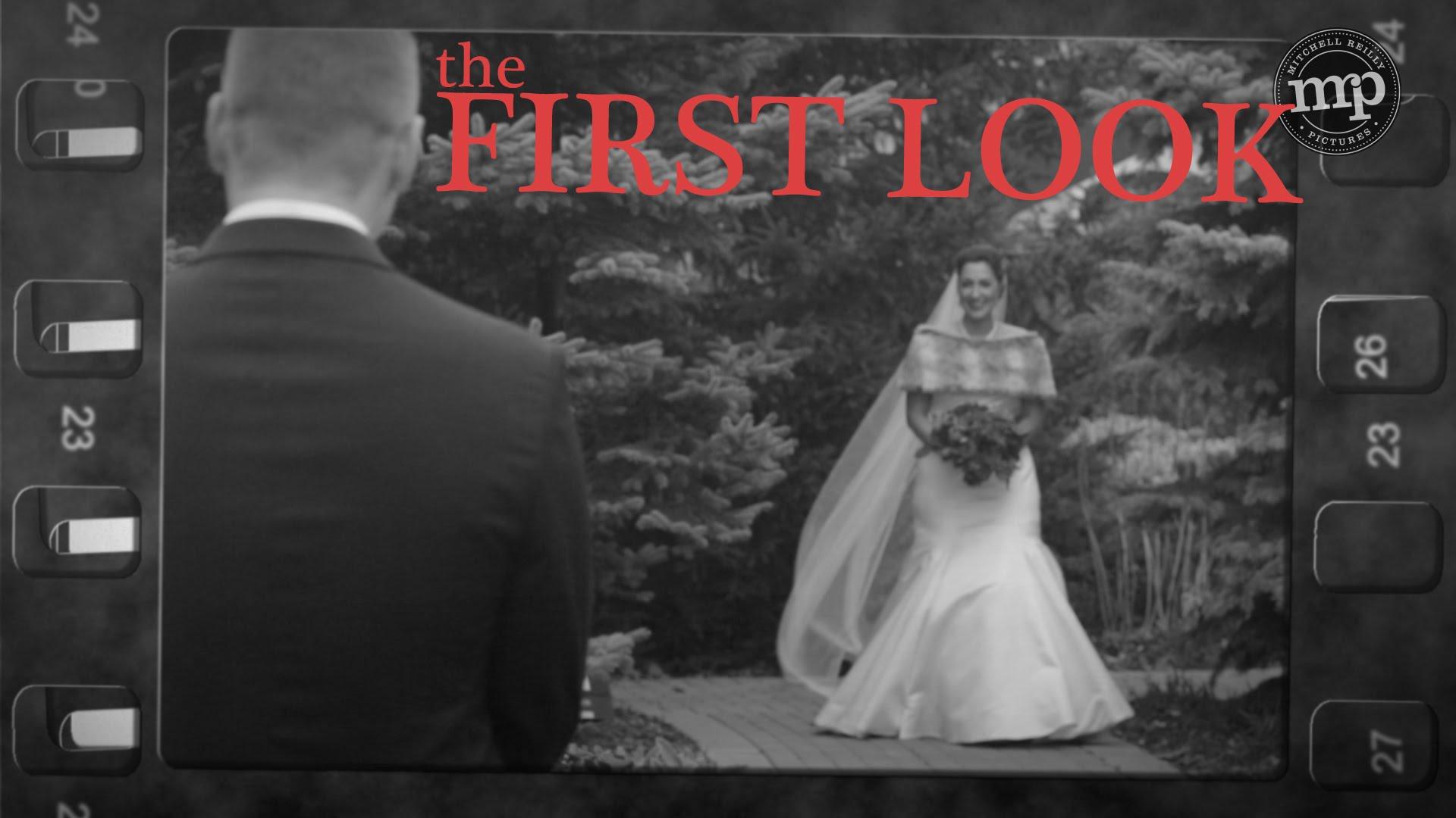 Това всъщност си мисли всеки младоженец, когато види своята любима в сватбена рокля (Видео)