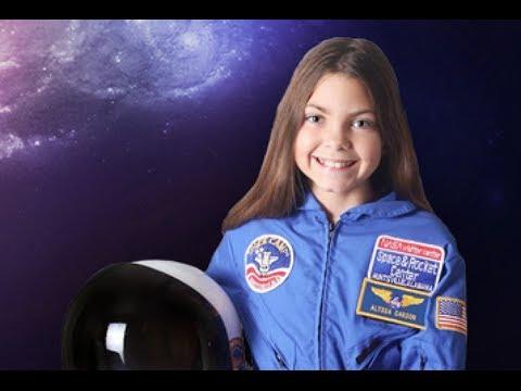 Първото момиче, което ще кацне на Марс