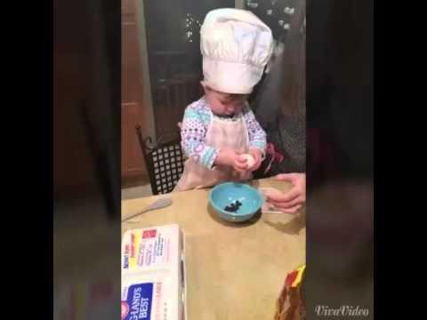 Най-малката готвачка на света!