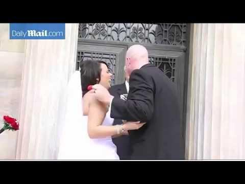 Ето как се провали първата целувка