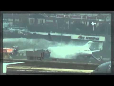 Самолет се запали при кацането си в Истамбул