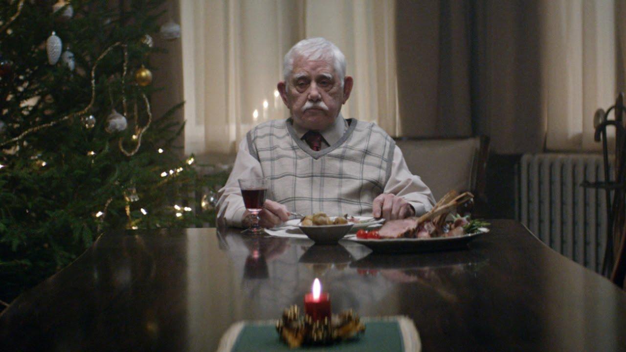 Баща събра семейството си за Коледа