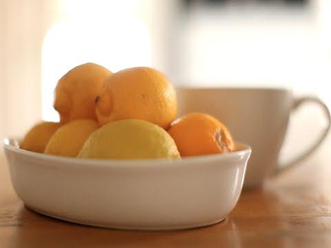 Топла вода с лимон
