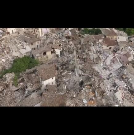 Потресаващи кадри от Италия след земетресението