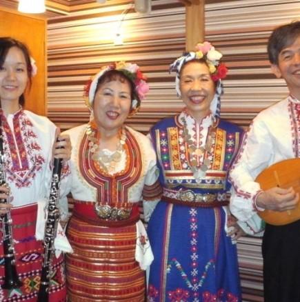 Японци пеят български песни
