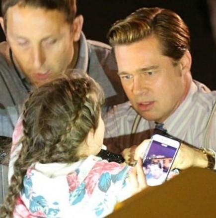 Брад Пит спаси младо момиче в Испания