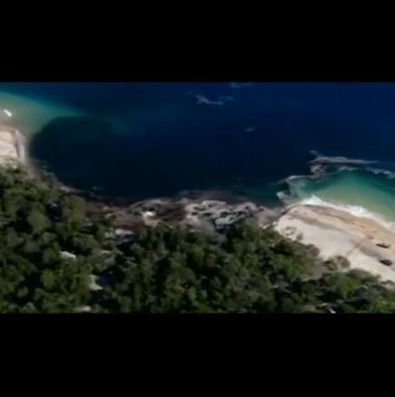Дупка погълна плаж