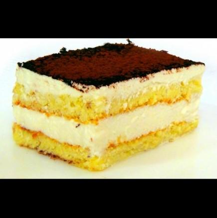 Лесна торта със сметанов крем и какао